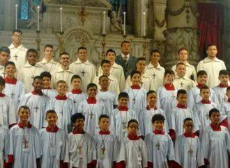 Coral Mater Ecclesiae orgulha Santa Luzia