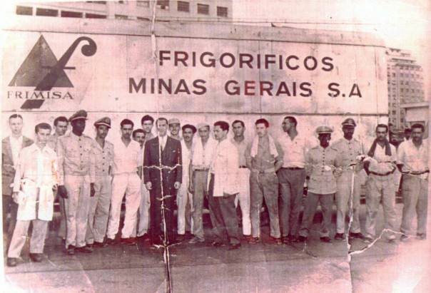 JK inspeciona no Rio 'samuás'  da Frimisa