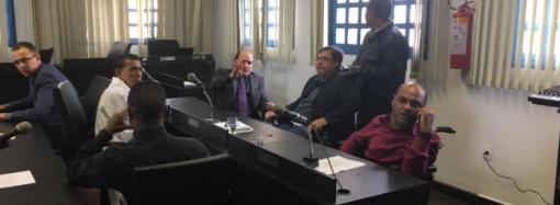 Vereadores aprovam projeto para se manter no poder e o Icaraí será reaberto