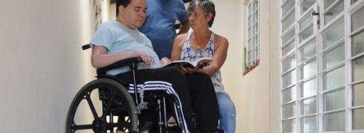 Portador de doenças raras, Breno tenta levantar 200 mil para se tratar na Espanha