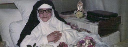 """33 anos após sua morte, irmã Maria da Glória ainda é a """"Santa de Macaúbas"""""""