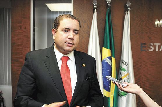 Promotor denuncia: há grandes fraudes e desvio de dinheiro público em Santa Luzia