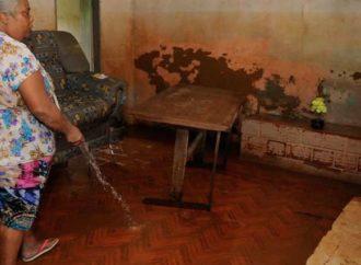 Uma semana após enchentes, Santa Luzia ainda luta para se recuperar dos estragos