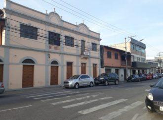 Sem casos graves na cidade, Prefeito anuncia flexibilização do comércio na 2ª