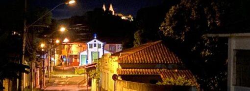 Santa Luzia passa sua segunda noite sob toque de recolher, que vai durar 15 dias