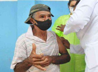 Comunidade quilombola de Pinhões recebe a primeira dose da vacina